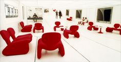 Olivier Mourgue Djinn Chairs in Kubrick's film 2001: A Space Odyssey