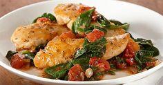 Fűszeres, szaftos csirkemell spenótágyon diétás recept