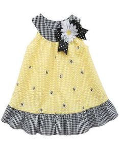 Rare Editions Girls Yellow Seersucker Bumble Bee Daisy Summer Dress 5 6 See other ideas and pictures from the category menu…. Kids Dress Wear, Toddler Girl Dresses, Little Girl Dresses, Baby Dress Design, Baby Girl Dress Patterns, Baby Frocks Designs, Seersucker Dress, Girl Doll Clothes, Kids Outfits