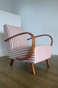 Art Deco Sofa, Painted Chairs, Diy Furniture, Sofas, Accent Chairs, Armchair, Upholstery, Lounge, Couch