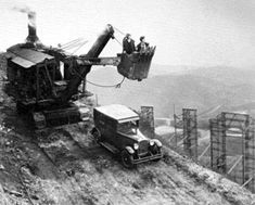 """Excavation equipment above Hollywoodland Sign with Mack Sennett """"girls"""" in the bucket The Hollywood Bowl, Hollywood Sign, Classic Hollywood, Old Hollywood, Garden Of Allah, Hollywood Boulevard, The Good Old Days, Vintage Photographs, Stunts"""