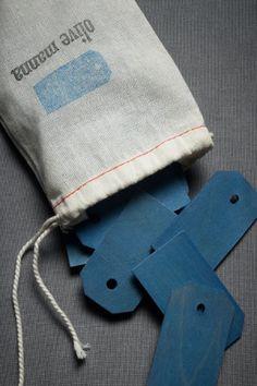 wooden hangtags - blue
