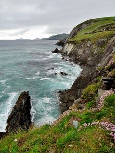 View towards the Blasket Islands from a viewpoint at Coumeenoole North near Slea Head, Dingle Peninsula, Ireland. Old Irish, Irish Sea, Republic Of Ireland, Ireland Travel, British Isles, Bellisima, Just Go, Places To Travel, The Good Place