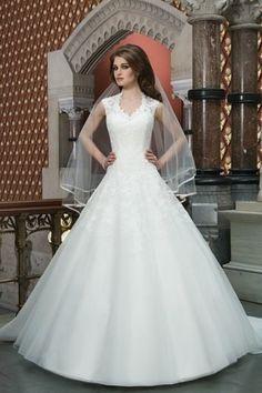Lace Cap Sleeved Wedding Dress.