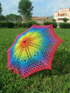 Rainbow Crochet Lace Umbrella/Parasol - CROCHET - I really LOVE doilies. But not over a table or anywhere else in my house! So I decided to use my rainbow doily for something else. Crochet Crafts, Crochet Doilies, Crochet Lace, Mandala Crochet, Crochet Afghans, Crochet Blankets, Lace Knitting, Knitting Needles, Crochet Flowers