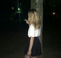🖤lol I haven't posted in 3 days. Sorry I've just been sad boi hours ∘ {not mine } ∘ ∘ ∘ ∘ Women Smoking, Girl Smoking, Bad Girl Aesthetic, Aesthetic Grunge, Tumbrl Girls, Grunge Photography, Grunge Girl, Sad Girl, Look Cool