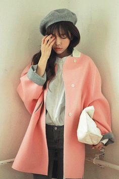 Today's Hot Pick :拼色簡約款立領外套 http://fashionstylep.com/SFSELFAA0007271/stylenandatw/out 嫩粉色立領開叉大衣。 可愛的嫩粉色選擇,穿起來活潑俏麗。 簡約款立領設計,更顯一份幹練利落。 羊毛混織的材質,穿起來舒適保暖。