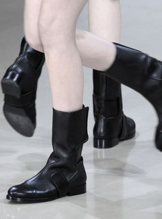 Crossing paths: Jil Sander F/W 2010 detail