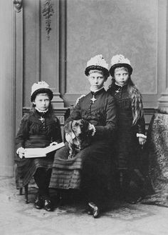 Princess Victoria, Princess Sophie, and Princess Margaret of Prussia, 1879 [in Portraits of Royal Children Vol.25 1879-80] | Royal Collection Trust