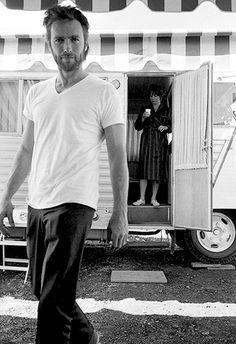 """Clint Eastwood et Shirley McLaine. Tournage de """"Sierra Torride"""" de Don Siegel. 1970."""