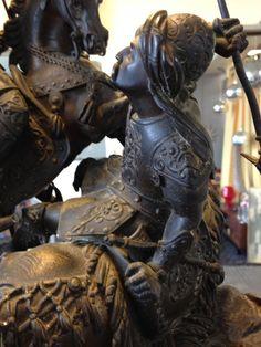 PENDULE BRONZE - http://www.lesbrocanteurs.fr/annonce-antiquaire/pendule-bronze/