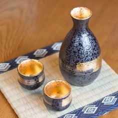 Authentic Japanese Sake sets handmade by local craftsmen. Low worldwide shipping from Japan! Choose from the largest selection of Sake Set from Japan Shop. Japanese Sake, Japanese Dishes, Japanese House, Sake Sushi, Porcelain Black, Sushi Set, Japan Shop, Clay Cup, When I Grow Up