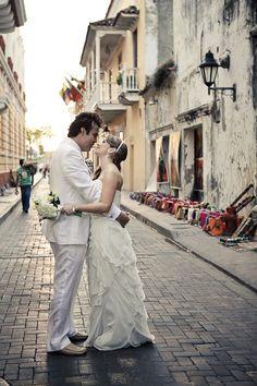Perfect shoes for white, wedding in Cartagena.  #cartagena #mibodaencartagena