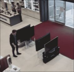 Customer knocks down 4 TVs. Gif Bin is your daily source for funny gifs, reaction gifs and funny animated pictures! Large collection of the best gifs. Gif Pictures, Weird Pictures, Best Funny Pictures, Funny Reaction Gifs, Tv Shopping, Best Funny Videos, Cinemagraph, Having A Bad Day, Have A Laugh