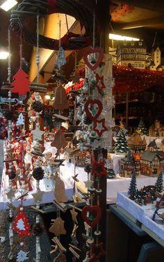 Wonderful Christmas markets that enrich the landscape and create a unique atmosphere- Meravigliosi mercatini di Natale che arricchiscono il paesaggio e creano un'atmosfera unica- www.swadeshi.it