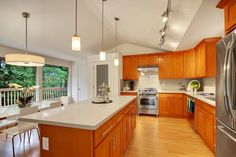 Pius' most affordable line of cabinets. Our quality Honey Oak cabinets offer remodelers a warm and modern option at a reasonable price.