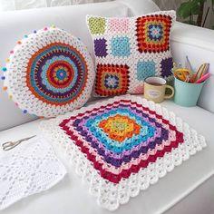 "C R O C H E T on Instagram: ""❤ @_yaprakyildiz #welovecrochet #instagram #crochet #crocheting #yarn #knitting #crochetsquare #blanket #instacrochet #crochetaddict…"""