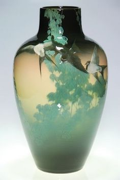 Rookwood Pottery - A Rookwood pottery Black Iris scenic vase done by Kataro Shirayamadani in 1907 - five barn swallows flying through trailing boughs of English ivy Vintage Vases, Vintage Pottery, Pottery Vase, Ceramic Pottery, Thrown Pottery, Slab Pottery, Rockwood Pottery, Art Nouveau, Black Iris