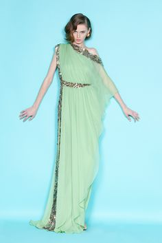 Celebrities who wear, use, or own Marchesa Resort 2012 Green Dress. Also discover the movies, TV shows, and events associated with Marchesa Resort 2012 Green Dress. Glamour, Indian Designer Wear, Beautiful Gowns, Gorgeous Dress, Dream Dress, Dress To Impress, Designer Dresses, Designer Bags, Evening Dresses