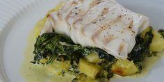Fisk og grøntsager i skøn forening. Danish Food, Always Hungry, Dinner Is Served, Fish Dishes, Fish And Seafood, Food Inspiration, Food And Drink, Pork, Healthy Recipes