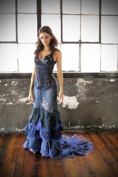 denim steampunk underbust corset waist 26 by OblivionClothing Denim Maxi Dress, Jeans Dress, Denim Fashion, Boho Fashion, Fashion Outfits, Denim Wedding, Jeans Refashion, Denim Ideas, Denim Crafts