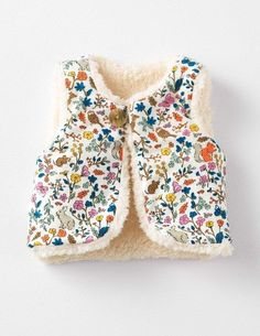 Reversible Fleecy Gilet 71510 Sweatshirts & Fleeces at Boden -Baby Vest , Reversible Fleecy Gilet 71510 Sweatshirts & Fleeces at Boden Reversible Fleecy Gilet 71510 Sweatshirts & Fleeces at Boden Kids fashion. Fashion Kids, Little Fashion, Toddler Fashion, Toddler Outfits, Kids Outfits, Baby Vest, Baby Sewing, Kids Wear, Kids Fashion