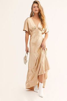 Designed in a subtlety stunning, vintage-inspired fashion, this super silky maxi dress features a plunging V-neckline and flutter sleeves in a gorgeous A-line s Silky Dress, Dress Up, Vintage Inspired Fashion, Free People Dress, Casual Dresses, Maxi Dresses, Ideias Fashion, Party Dress, Clothes