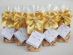 ♥♥♥  Stock Aromata A Stock Aromata produz lembranças para casamento: sachês aromatizados, potpourri, velas e aromatizadores, todos com tag descritivas personalizada. http://www.casareumbarato.com.br/guia/stock-aromata/