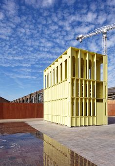 Yellow Pavilion - New Horizons, LFA - Hall McKnight Architects - King's Cross - 2015 Tectonic Architecture, Paper Architecture, Architecture Details, Landscape Architecture, Turin, Amazing Spaces, Beautiful Buildings, Interior Design Living Room, Interior And Exterior