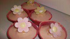 Blue Kitchen Bakes: Sloe Gin Cupcakes