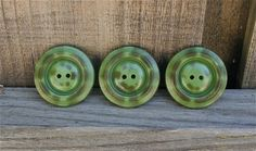 "3 Vintage 1940s Camo Green Lucite Buttons 1 1/3"" #vintagebuttons #buttonitupvintage"