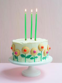 This cake decorating idea is perfect for spring gatherings (and super easy, too!).