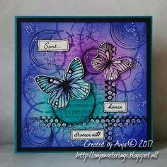 Hallo lieve allemaal,   Op deze laatste zaterdag van augustus, heb ik een vlinderkaartje voor jullie gemaakt.   De vlinders, van een laye...