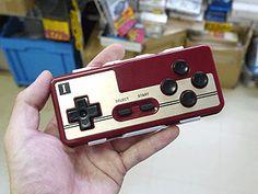 レトロゲーム向け?ファミコンそっくりのゲームパッドにBluetooth版が登場 - AKIBA PC Hotline!