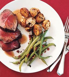 Spice-Rubbed Roast Beef Tenderloin with Red Wine Sauce | Recipe | Red ...