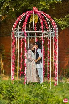 Decorative Cage Of Love http://www.functionmania.com/blog/stunning-backdrops-pre-wedding-shoot/
