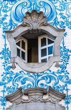 Open window of a church in Porto, Portugal. Portuguese Culture, Portuguese Tiles, Beautiful Architecture, Architecture Details, Window Detail, Unique Doors, Window Dressings, Through The Window, Spain And Portugal