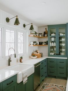 9 Green Kitchen Cabinet Ideas for Your Most Colorful Renovation Yet Au revoir, white: Green kitchen cabinets are all the rage. These nine spaces make a case for living colorfully. Green Kitchen Cabinets, Farmhouse Kitchen Cabinets, Kitchen Cabinet Colors, Wooden Kitchen, Kitchen Cabinets Around Window, Kitchen Cabinet Refacing, Kitchens With Dark Cabinets, Painted Kitchen Cabinets, Dark Green Kitchen