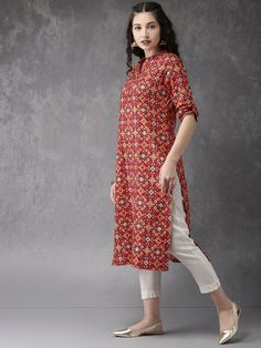 Anouk Women Red & Green Printed A-Line Kurta Get upto off on Women's Indian Wear Simple Kurti Designs, Kurta Designs Women, Kurti Neck Designs, Blouse Designs, Dress Indian Style, Indian Wear, Indian Outfits, A Line Kurta, Kurta Style