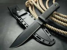 The 5 Best Survival Knives In The World.   Well I've got two of the five so that's good!