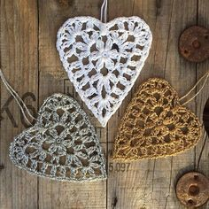 Hearts to decorate with ❤️ Pattern in my blog, link in my profile ❤️ Happy craft day ❤️