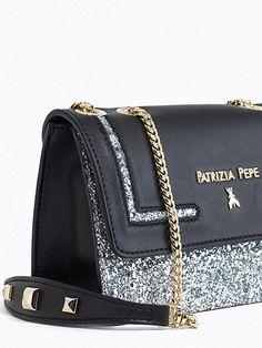 Patrizia Pepe Borsa Mini Pochette in pelle e glitter con tracolla silver   saldo 30% f37ecc5356f
