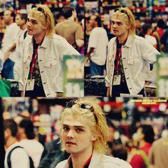 Blonde haired Gerard. by The-MCR-Fan-Club.deviantart.com on @deviantART I LUUURRRVVVVE BLONDE