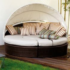 Charming Outdoor Furniture I Need This!