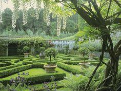 © Paul Gervais -Garden designer  Un arrangement poétique et gracieux , j'adore son travail!!!