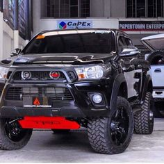 Survival Muscle - Carros The Hidden Survival Muscle In Your Body Missed By Modern Physicians That Keep Millions Of Men And Women Defeated By Pain, Frustrated With Belly Fat, And Struggling To Feel Energized Every Day Suv Trucks, Toyota Trucks, Lifted Trucks, Cool Trucks, Pickup Trucks, Truck Mods, Toyota Cars, Hilux 2017, Carros Toyota