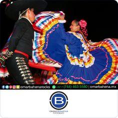 """""""El Jarabe Tapatío"""". Comparte. #omarbahena #ob #fotodeldia #Cabosanlucas #CSL #SanJosedelcabo #SJC #LosCabos #Balandra #LaPazBCS #BCS #pictoftheday #Guadalajara #GDL #ZMG #Queretaro #QRO #SanMigueldeAllende #SMA #Monterrey #MTY #Cancun #PuertoVallarta #Vallarta #PuntaMita #Puntademita #CiudaddeMexico #CDMX #Mexico #pictoftheday"""