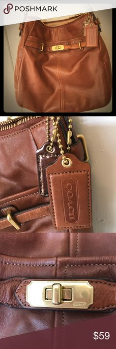 68f335d352d5 COACH Shoulder Bag in Brown Leather with Gold COACH shoulder bag in brown  leather with gold