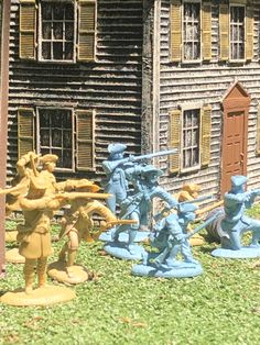 Colonial Minutemen - available in tan and blue Plastic Toy Soldiers, Plastic Soldier, Army Guys, Army Men, Armadura Ninja, Monster Hotel, Wrangler Shirts, Old Toys, Revolutionaries