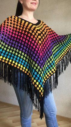 Rainbow Poncho Pride Women, Crochet outlander Triangle Shawl Wraps Fringe, Plus size Festival Vegan, Mom Crochet Poncho Patterns, Crochet Shawls And Wraps, Shawl Patterns, Crochet Cardigan, Crochet Stitches, Knit Crochet, Crochet Shawl Free, Crochet Tops, Crochet Triangle